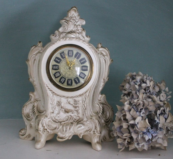 Cottage Chic Vintage 1972 Cherub Clock