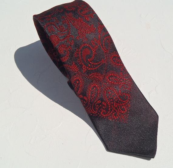 1960's Wembley Skinny Red Paisley Tie
