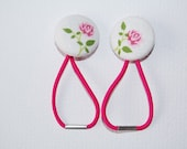 Girls Ponytail holders: Fabric Covered buttons, Ponytail Elastics white with a pink rose