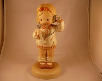 """I'se So Happy You Called, A 9-1/2"""" Tall Memories of Yesterday Figurine (No 526401) (Retired)"""
