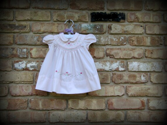 Vintage Baby Clothes / Pink Smocked Dress with Flowers / 1980s / 0-3 months