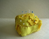 Yellow Flowers Pin Cushion (two tone, yellow, square, weighted)