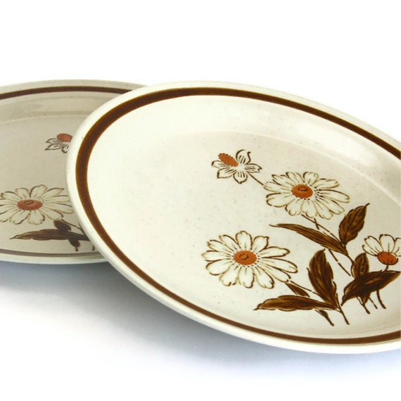 Brown Flower Plates - Set of Two