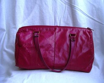 Vintage Leather Dark Pink Purple Handbag in Great Condition