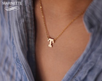 Initial necklace - Solid 14K Gold One letter