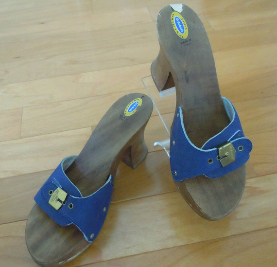 Vtg 70s Denim Blue Sandals Clogs by Dr. Scholls -  Wooden Soles, Spring Summer, Size 8