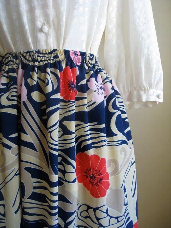 Floral Midi Skirt.  Vintage Spring Skirt. Medium. Hawaiian