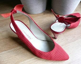 Vintage 70s Disco Lipstick Red Casadei Satin Fabric Bows Slingback Heels Pumps 7.5 38