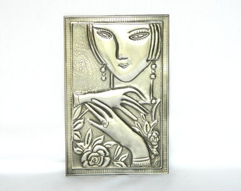 Metal Embellishment Modern Lady Pewter Repousse