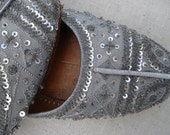 Vintage Silk & Leather Silver Beaded Slippers, India / Size 6M Shoes TREASURY ITEM