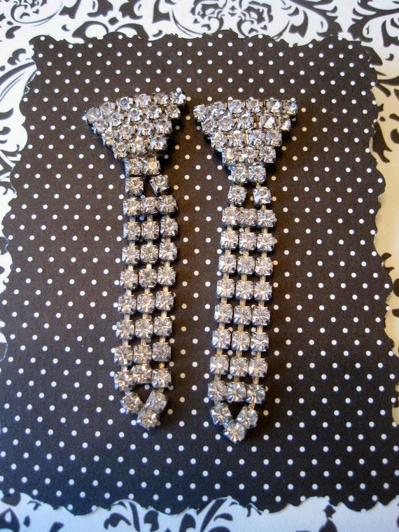Elegant 1980's Vintage Women's Tie Style Rhinestone Earrings