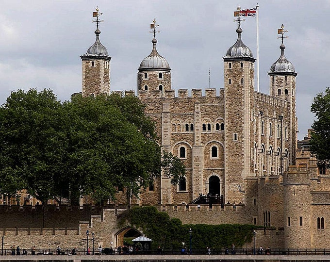 Tower Of London, England From across the river Thames  - Cross Stitch Pattern from a Vintage Photograph