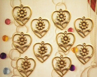 6 Vintage Silverplated 24mm Flower in a Heart Pendants