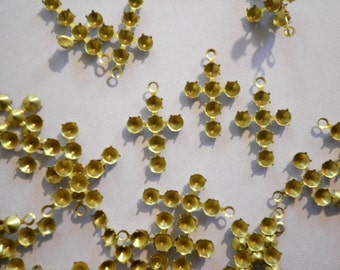 72 Vintage Brass 15mm Crosses with 3mm Settings