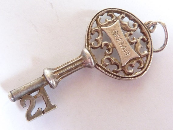 NUVO   Vintage sterling silver charm  large 21 key  Susan charm  Bracelet charm pendant