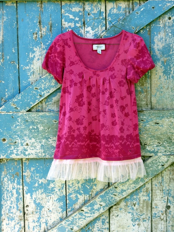 Tulle-ip Time Top / upcycled pink T with tulle/ eco friendly tunic