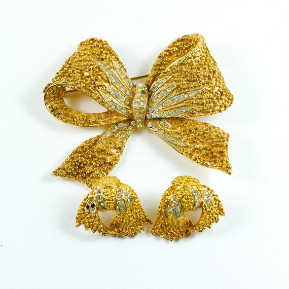 Vintage Corocraft Gold Tone Rhinestone brooch and earrings