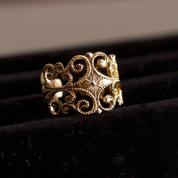 Vintage Filigree Gold Tone Ring by Sarah Coventry