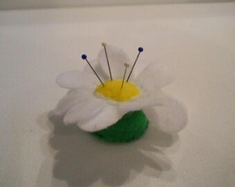 Whimsical Mini Pin Cushion Daisy