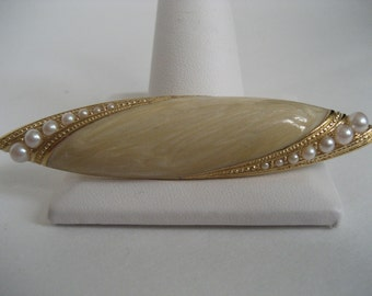 Elegant Richelieu Gold, Enamel and Pearl Brooch