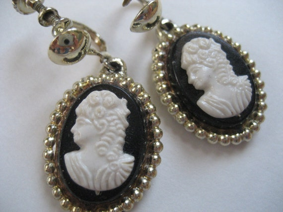 Dangling Vintage Cameo Earrings
