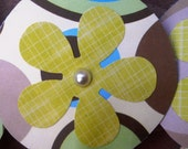 10 Cupcake Toppers: Retro circle design and Green plaid flowers