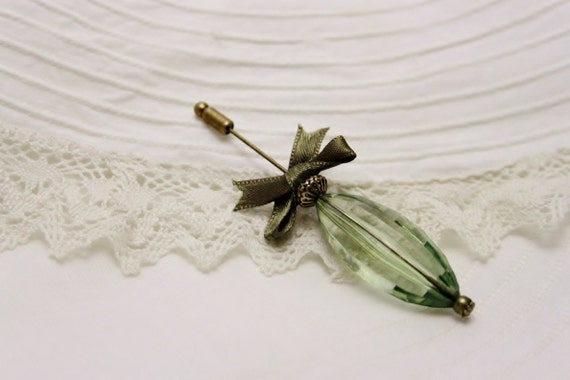 Lovely pin brooch. Antique Bronze. Green Tone. Gift for her