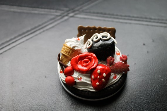 Red Themed Decoden compact