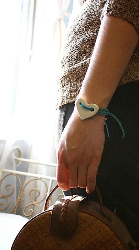 Bohemian Bracelet White Porcelain Heart and Turquoise Leather Strap Boho Stylish Chic