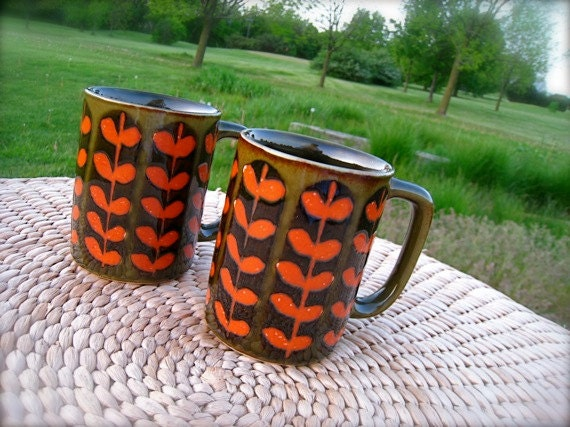 Vintage, COFFE CUPS, 1970's Mugs, Mid Century Modern, POTTERY, Retro, Pair, Orange, Green, Brown, Black, Glazed, Large, D shaped Handle