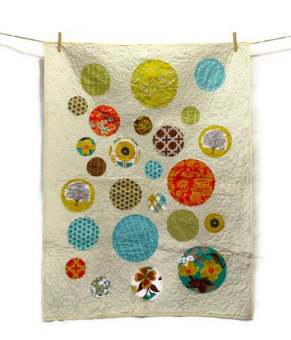 Modern Appliqued Circles Quilt Baby blanket or Lap Quilt