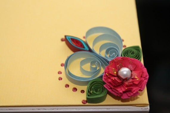 Yellow  paper quilled gift envelope