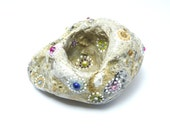 Hidden treasury / Hand painted stone by circle and the dot