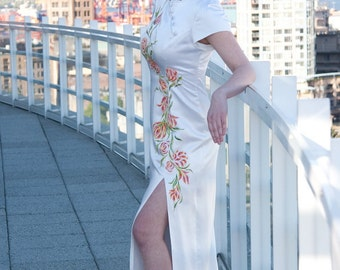 One-of-a-Kind Chinese Style Eggshell Full-Length Wedding Gown