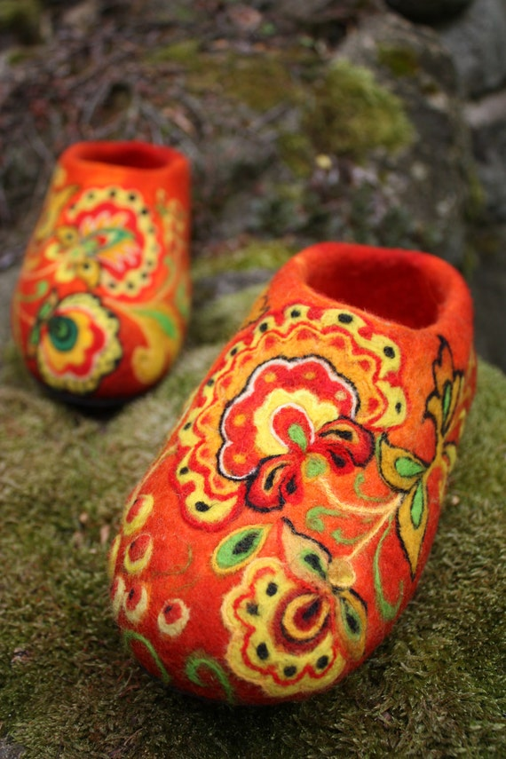 Felted Slippers- Khokhloma painting