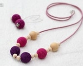 Nursing mom necklaces-Teething toy - fuchsia,deep purple, natural wooden beads