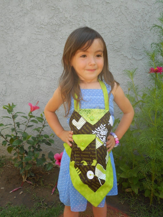 Toddler Green and Brown Apron