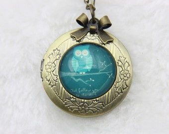 Necklace locket owl