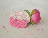 Free Shipping Cupcake Pink And White Crochet Brooch