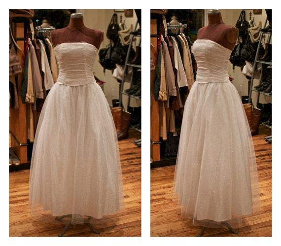 SALE - 1980s Strapless White Chiffon Sparkle with Full Tulle Skirt Fairytale Wedding Dress Gown Prom Dress Party Dress