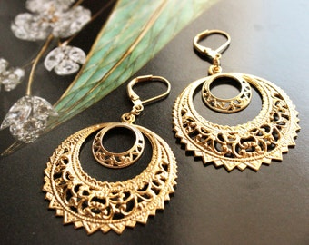Vintage Filigree Double Hoop Dangle Earrings in Gold or Silver