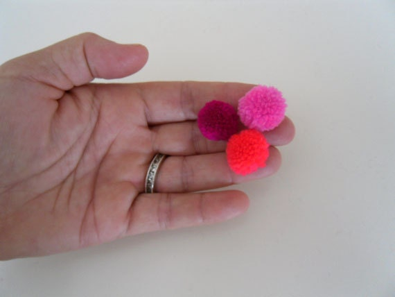 50 Mini Pom Poms Shades of Pink Pompoms,Handmade,Yarn,Wool,Baby Pom,Party,Decorate,Craft Supplies
