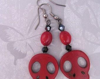 Red Skull Earrings, Beaded Earrings, Dios de los Muertos Earrings, Red & Black Beaded Skull Dangle Earrings, Super Cute