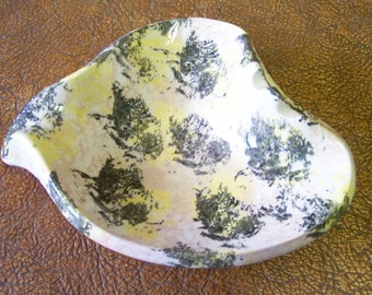 SUPER SALE Vintage Spongeware Tobacianno/ Ash Tray Was 11.00 Now 7.00 -EtsyonSale tithriftstore.etsy