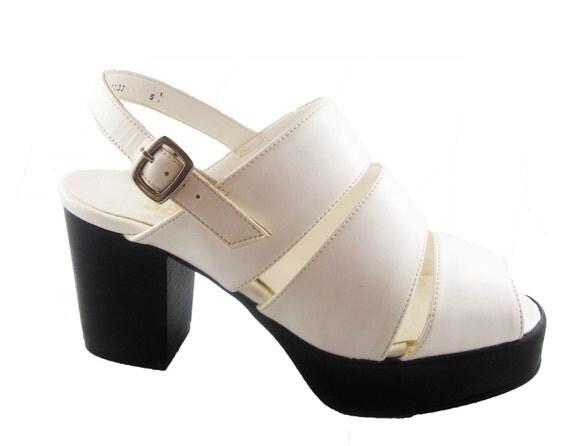 SALE. AMAZING White 1990s Glam Club Kid Platform Peep Toe sandals. Vegan. UK 5.