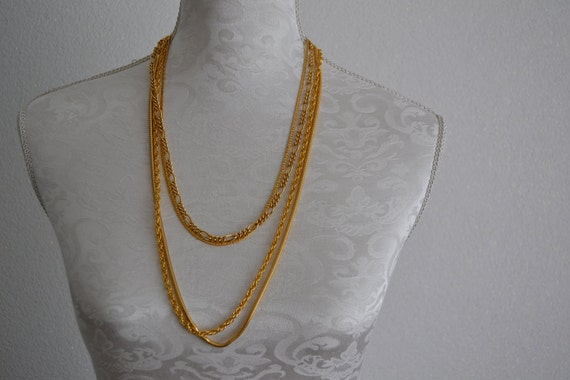 Vintage lot of 4 gold tone necklaces