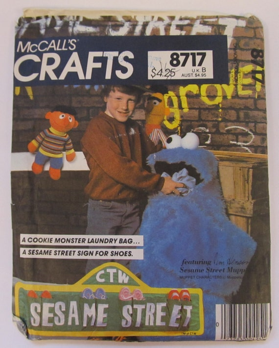 McCall's Sesame Street Cookie Monster Laundry Bag & Street Sign Shoe Bag Pattern 8717