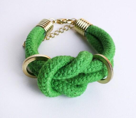 Doppeltes Baumwoll-Armband in Maigrün