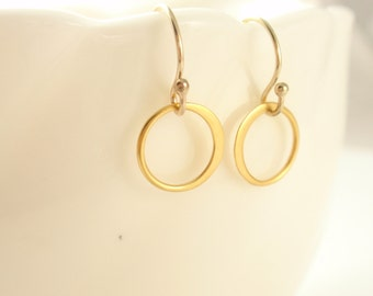 Circle Gold 14K gold filled Earring -simple everyday jewelry