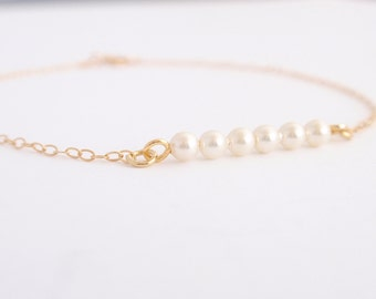 Tiny Pearls 14K gold filled bracelet-simple everyday jewelry
